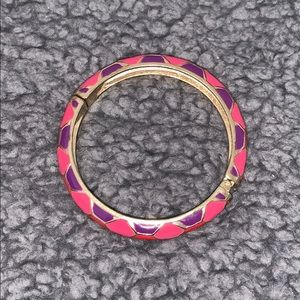 Vibrant clasp bracelet